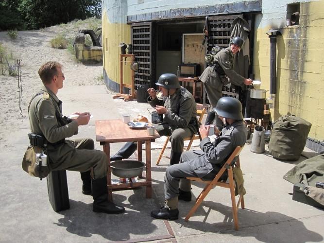 Duitse militairen bij het Atlantikwall-museum