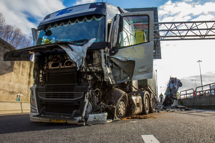 Ravage na forse aanrijding A15