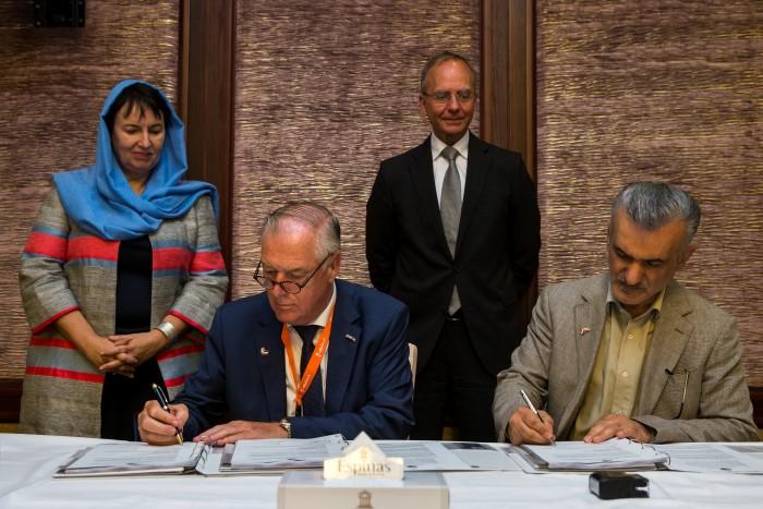 VB Group gaat 20 ha kas bouwen in Iran