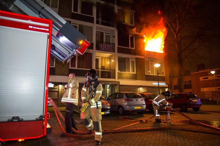 Grote uitslaande brand in flatwoning Schiedam