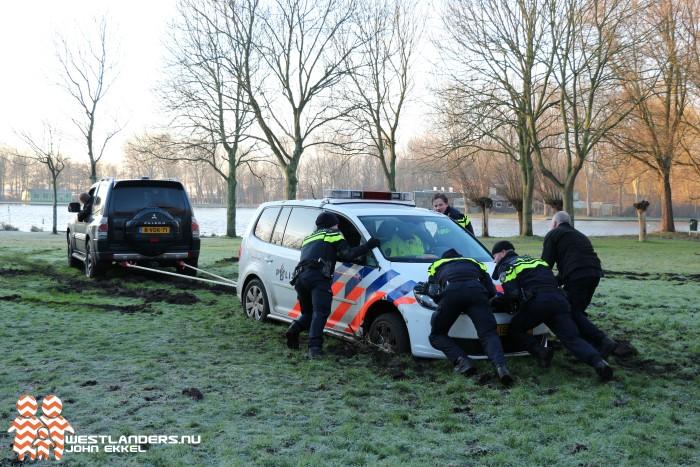 Politievoertuig uren vast bij recreatiegebied Madestein