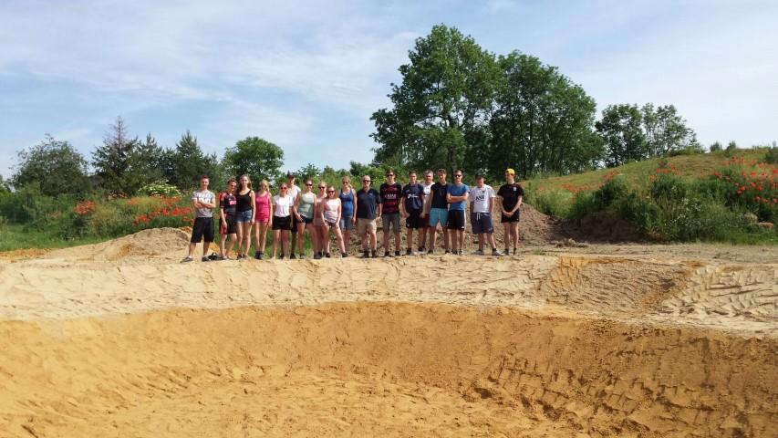 Studenten MBO Westlandbouwen zorgtuin in Polen