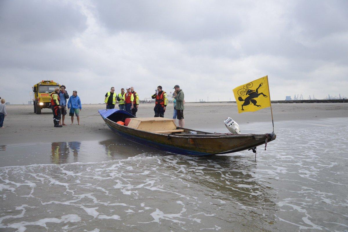 Zwitsers stranden met boot in Hoek van Holland