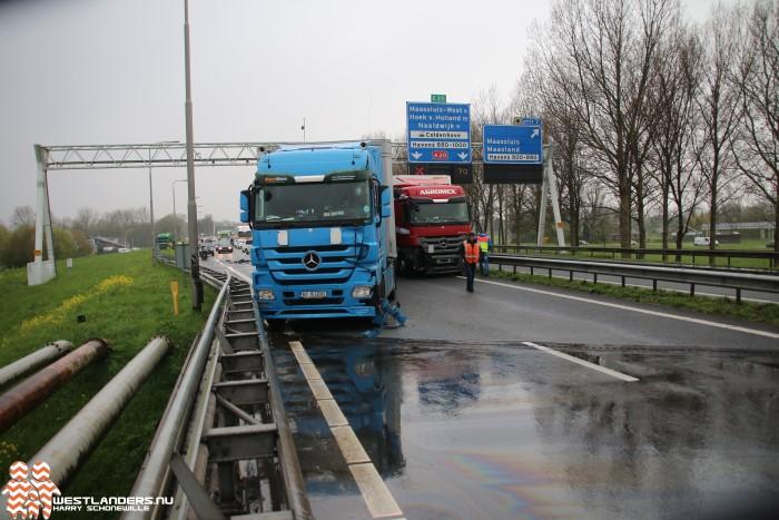 Verkeerschaos na ongeluk met 3 vrachtwagens op de A20