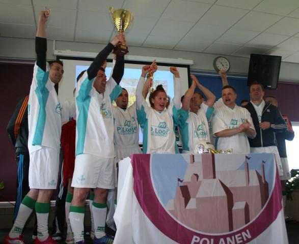 P. Looije Verpakkingen wint WK voetbal voor Poolse medewerkers