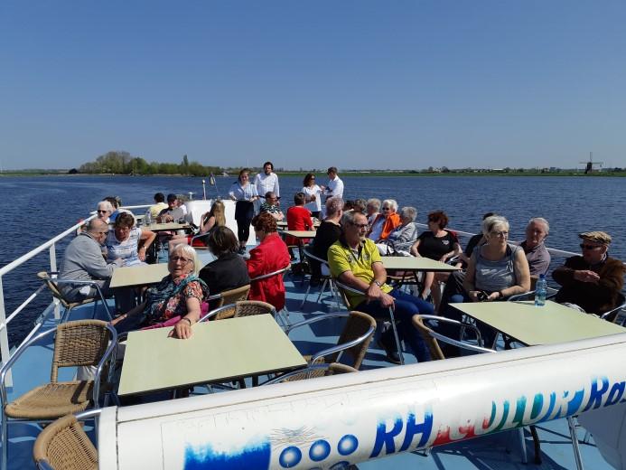 De Vereeniging geniet van een prachtige dag aan de Kagerplassen