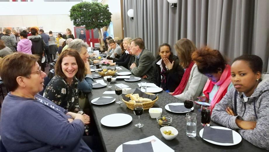 """Vluchtelingen Werk Westland organiseert """"Samen Eten""""!"""