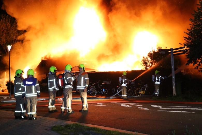 Grote brand legt restaurant in de as