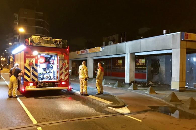 Brand tegen gevel Vlaardingse Wokhouse