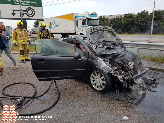 Cabrio uitgebrand bij de Wippolderlaan