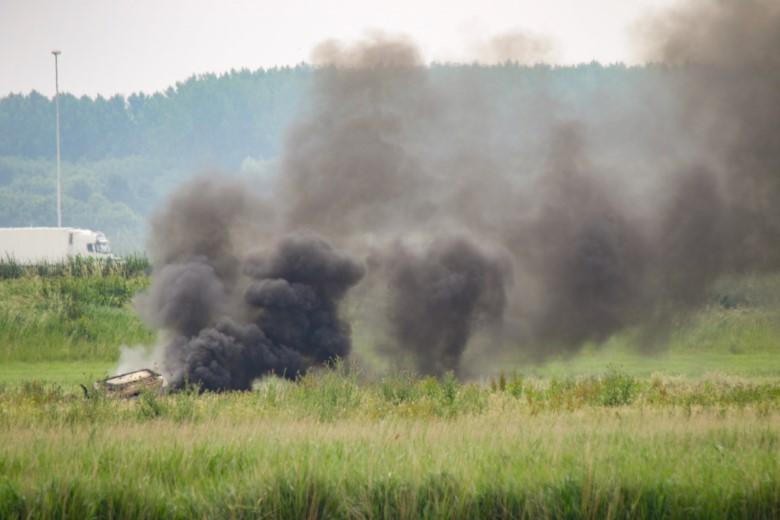 Tractor uitgebrand langs de A20