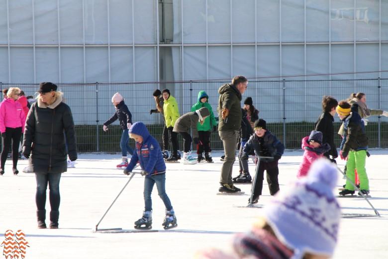 Twee ijsbanen open voor de jeugd