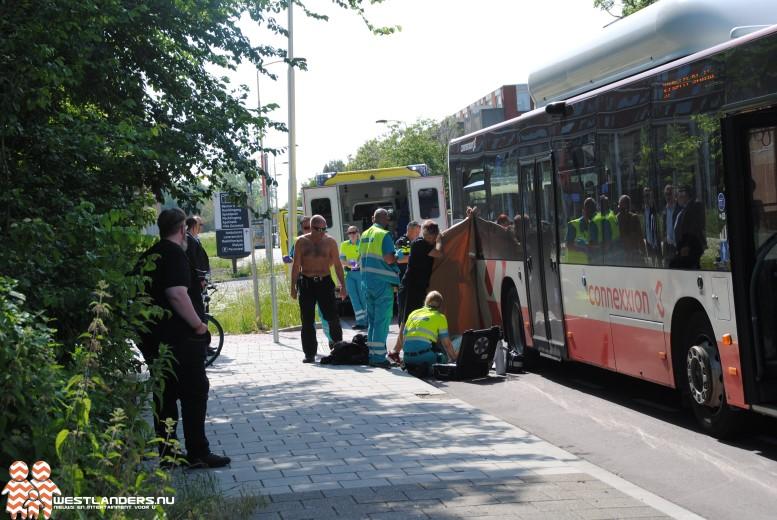 Fietser gewond na botsing met lijnbus
