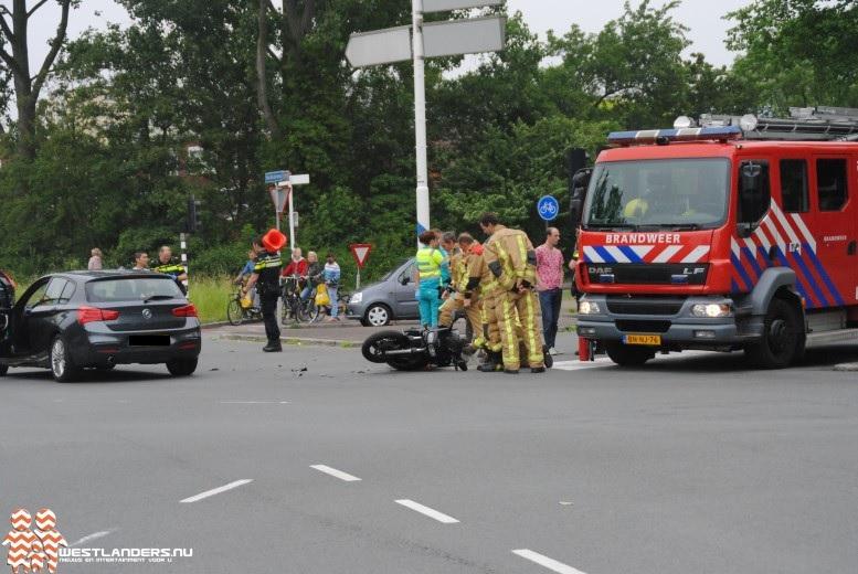 Motorrijder in botsing met auto