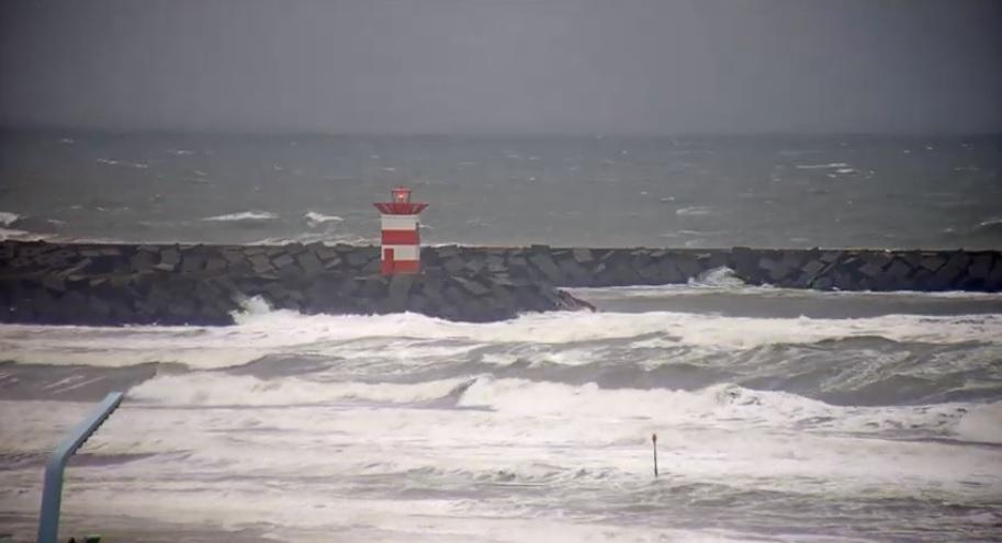 Vermiste kitesurfer gevonden bij Scheveningse haven