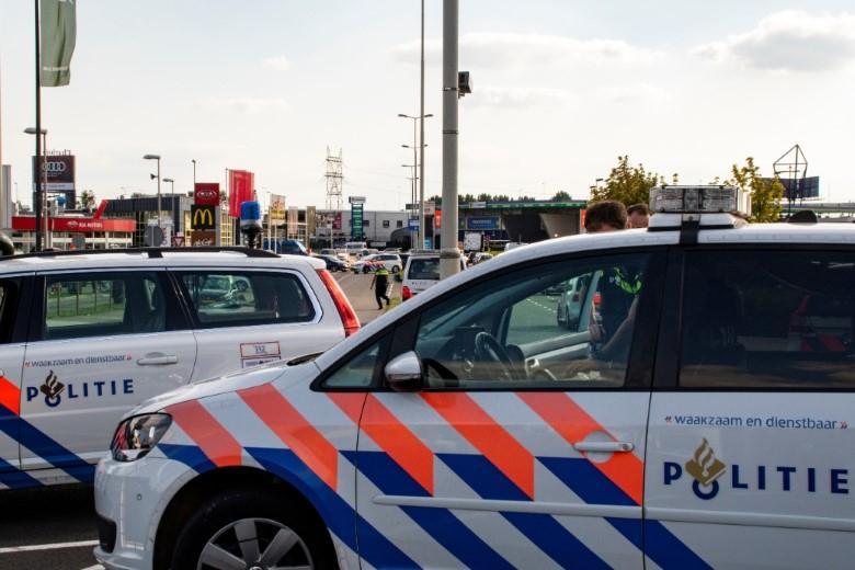 Veel auto's afgesleept bij politiecontrole op A13