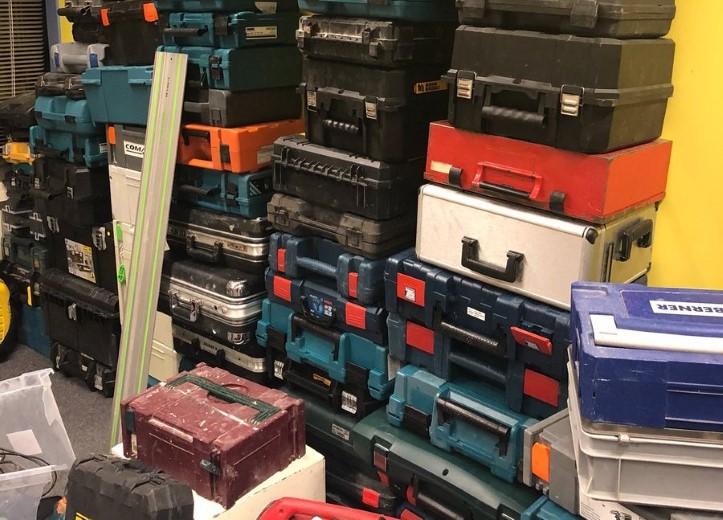 Grote hoeveelheid gestolen gereedschap gevonden