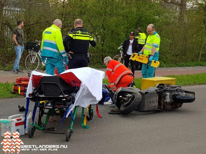 Pizzakoerier zwaar gewond bij ongeluk Leyweg