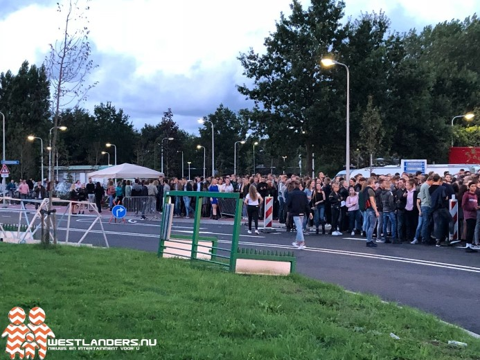 Collegevragen inzake feestterrein Hoge Bomen feestweek Naaldwijk