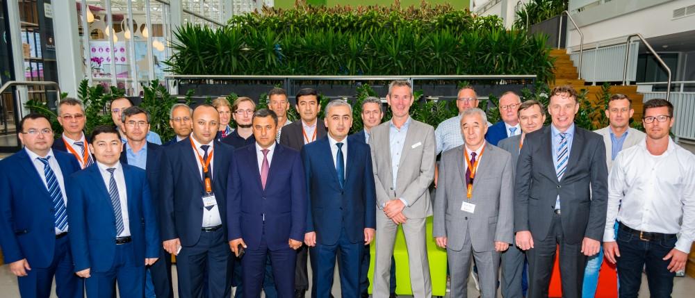 Oezbeekse delegatie onder indruk van Nederlandse tuinbouwsector