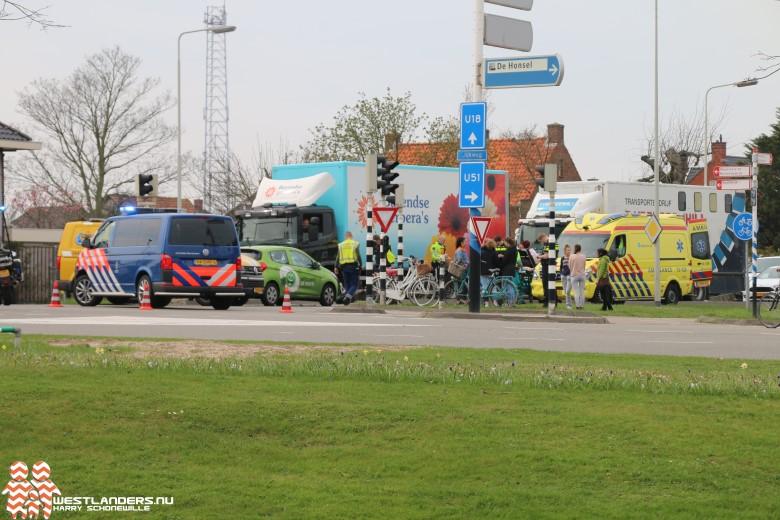 Scooterrijdster gewond na ongeluk Burgemeester Elsenweg
