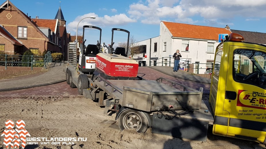 Chauffeur stunt bij de Valbrug in Honselersdijk
