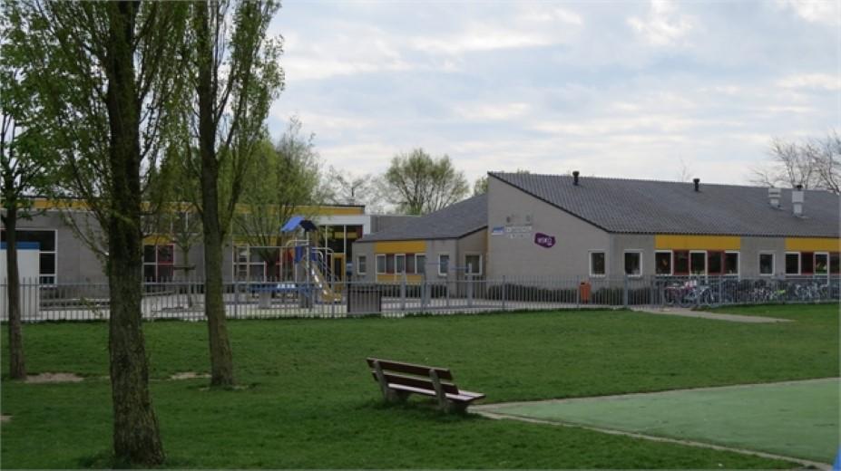 Bewoners bezorgd over uitbreiding basisschool de Regenboog