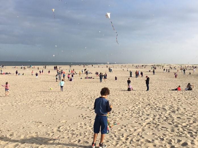 Woensdag vliegerfestijn op strand Molenslag