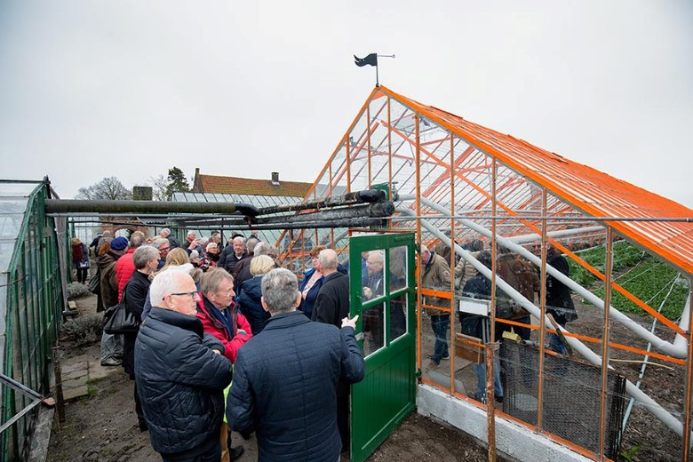 Burgemeester opent gerestaureerde kas op Sonnehoeck