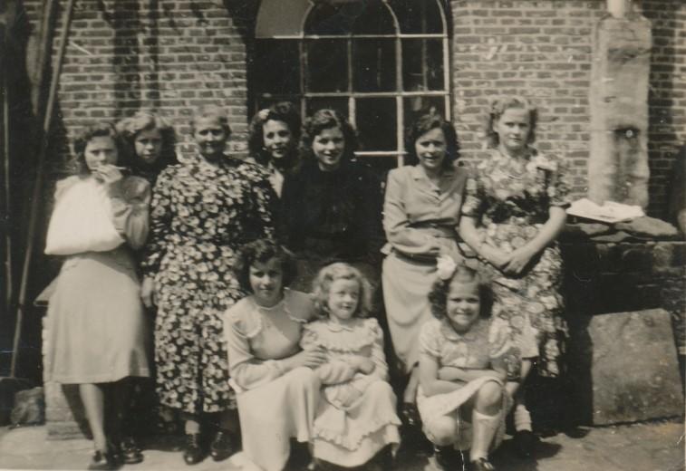 Tien zonnige Heulse dames