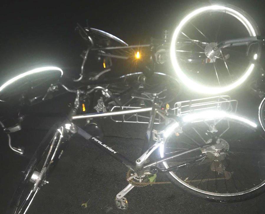 Fietsen en lampen vernield in Maasdijk