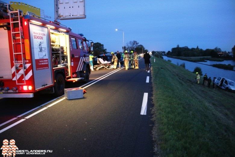 Twee gewonden bij ernstig ongeluk Maasdijk