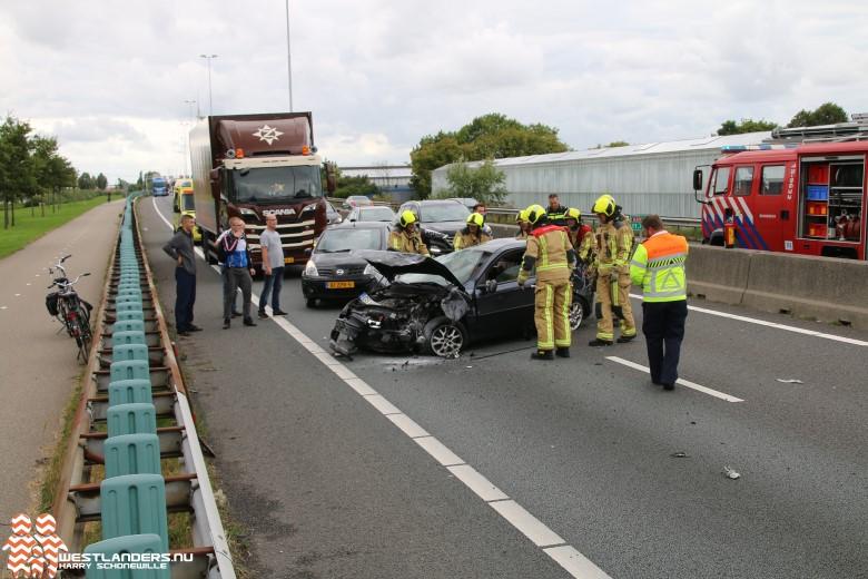 Twee gewonden op A20 na verkeerde inhaalmanoeuvre
