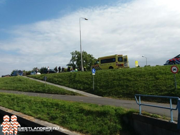 Letsel fietser valt mee na ongeluk op de Maasdijk