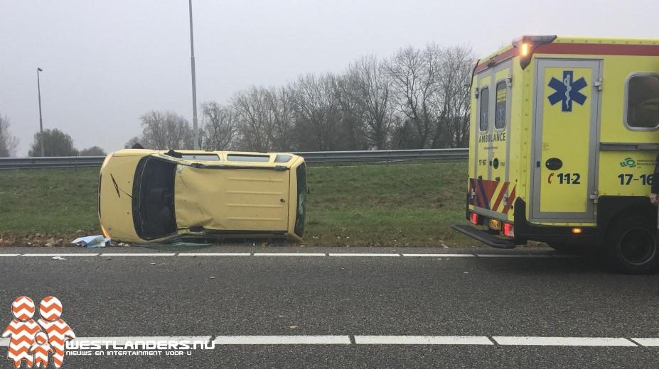 Automobilist gewond bij ongeluk afrit A20