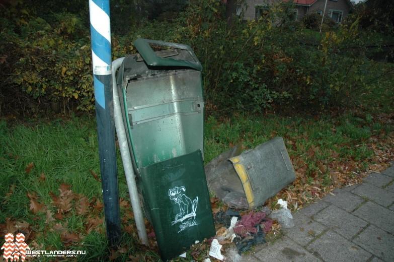 Prullenbak opgeblazen bij Koningin Julianaweg