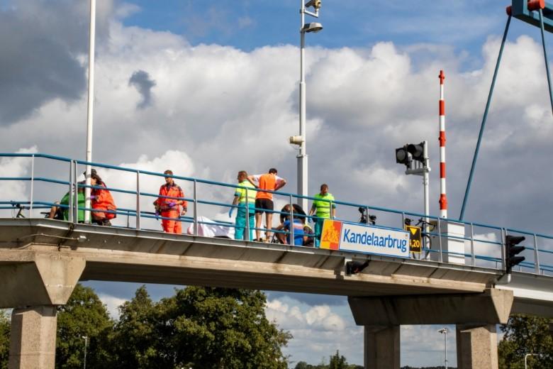 Wielrenners gewond na botsing op Kandelaarbrug