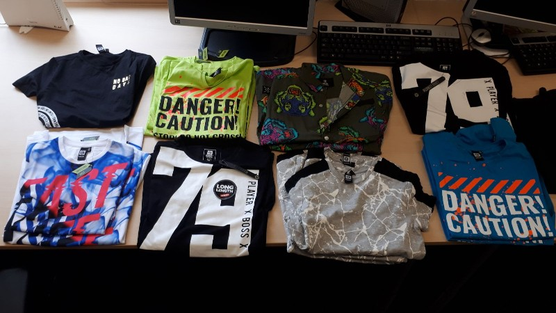 Roemenen met gestolen kleding aangehouden in Rotterdam