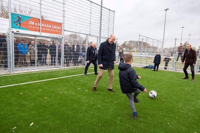Soccer courts FC 's-Gravenzande geopend