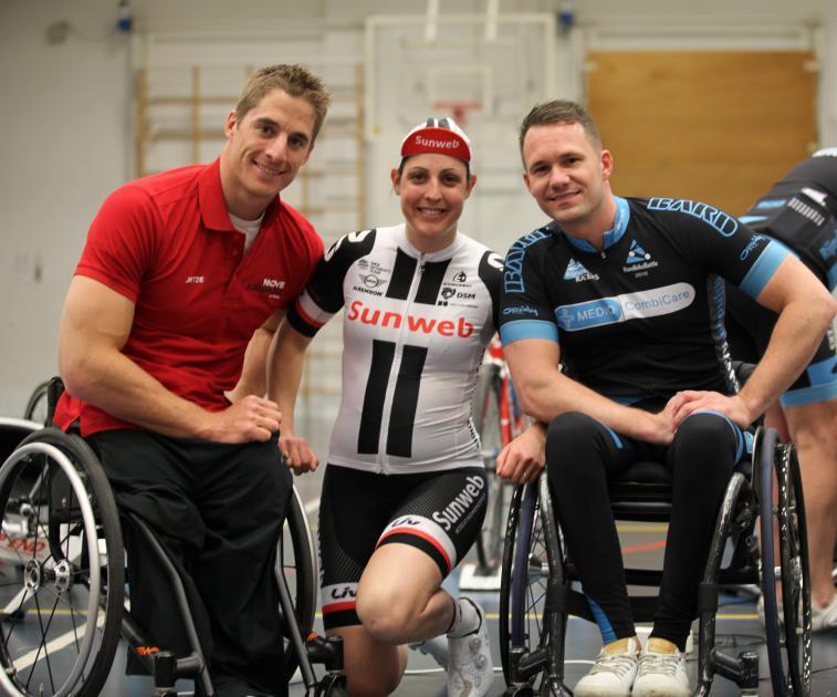 Paralympisch handbiker traint met Rijndam Racers