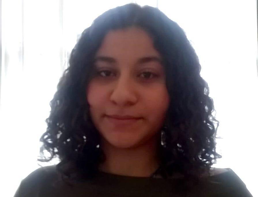 Tiener Dina Mostafa (16) vermist