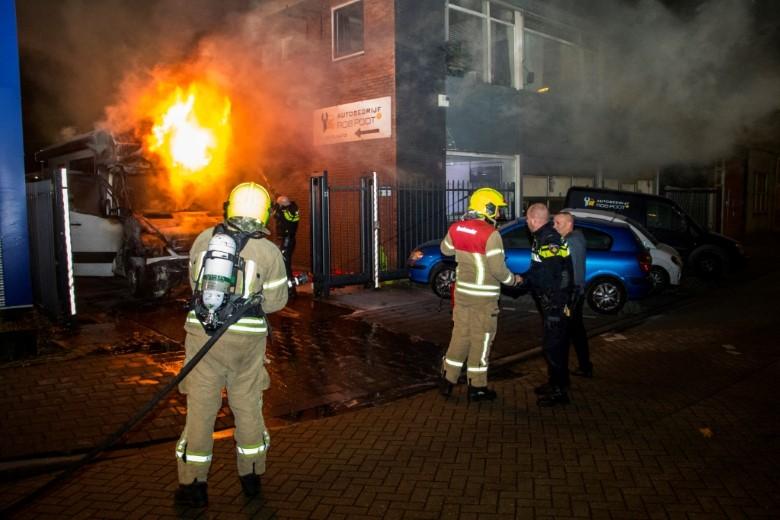 Een nacht vol autobranden in Vlaardingen