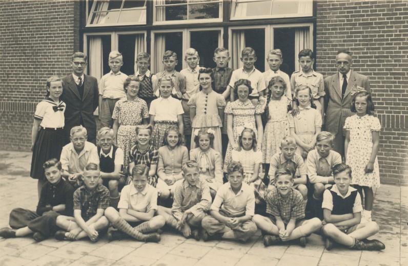 De zesde klas van de School met den Bijbel