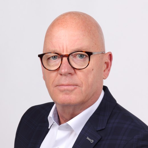 Rein Wiendels neemt voorzittershamer Naaldwijk Winkelrijk over