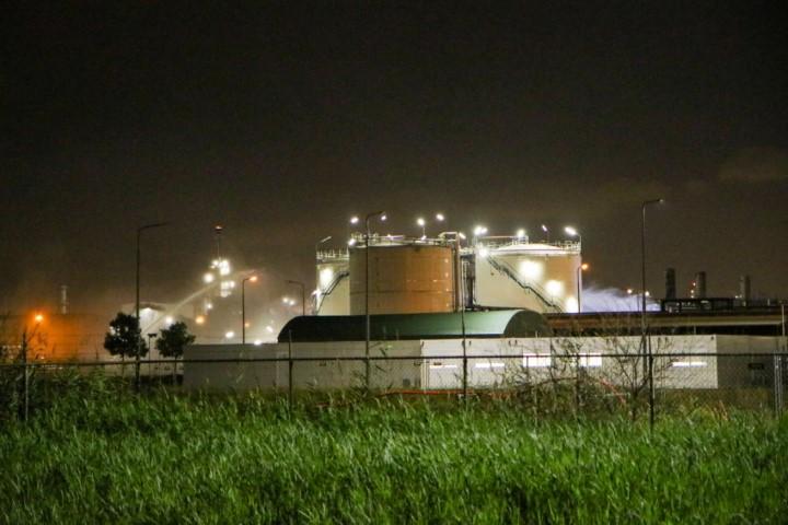 Grote inzet hulpdiensten voor zoutzuur-lekkage