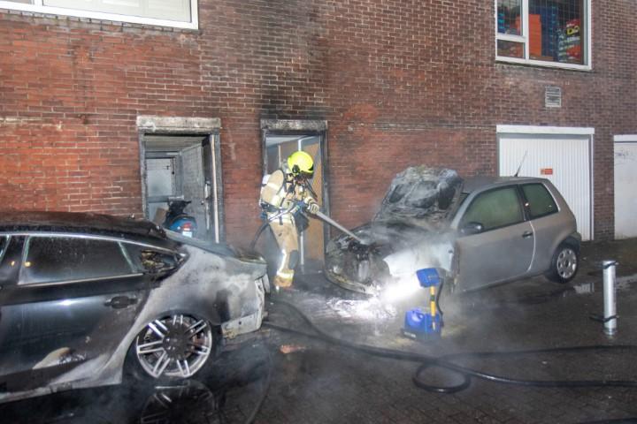Veel schade door autobranden in Vlaardingen