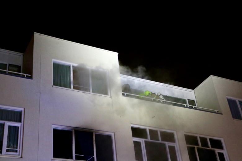 Acht gewonden bij grote woningbrand Rotterdam