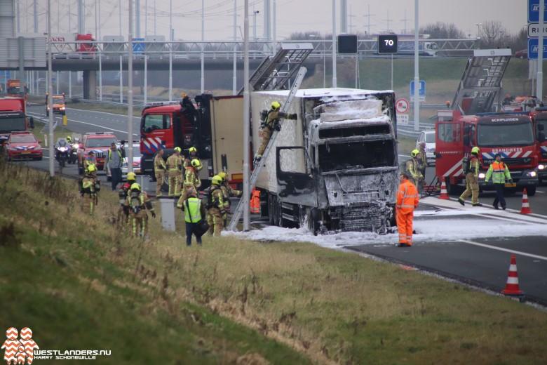 Rijksweg A4 afgesloten vanwege vrachtwagenbrand