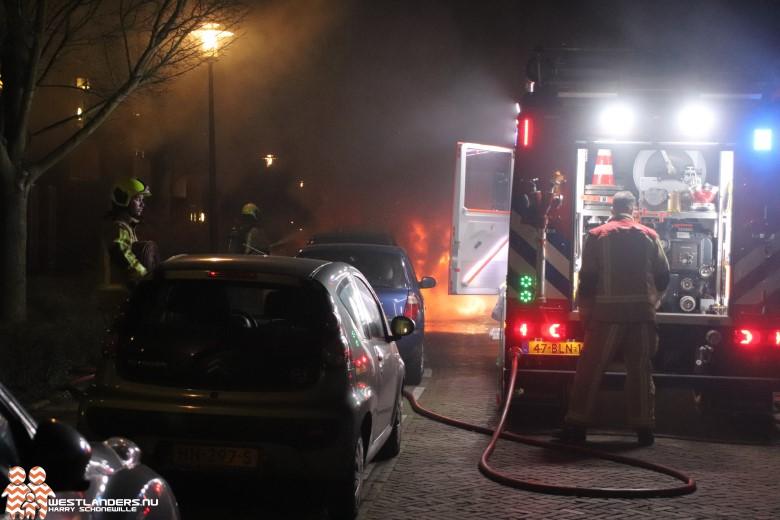 Voertuigbrand aan de Rijnweg
