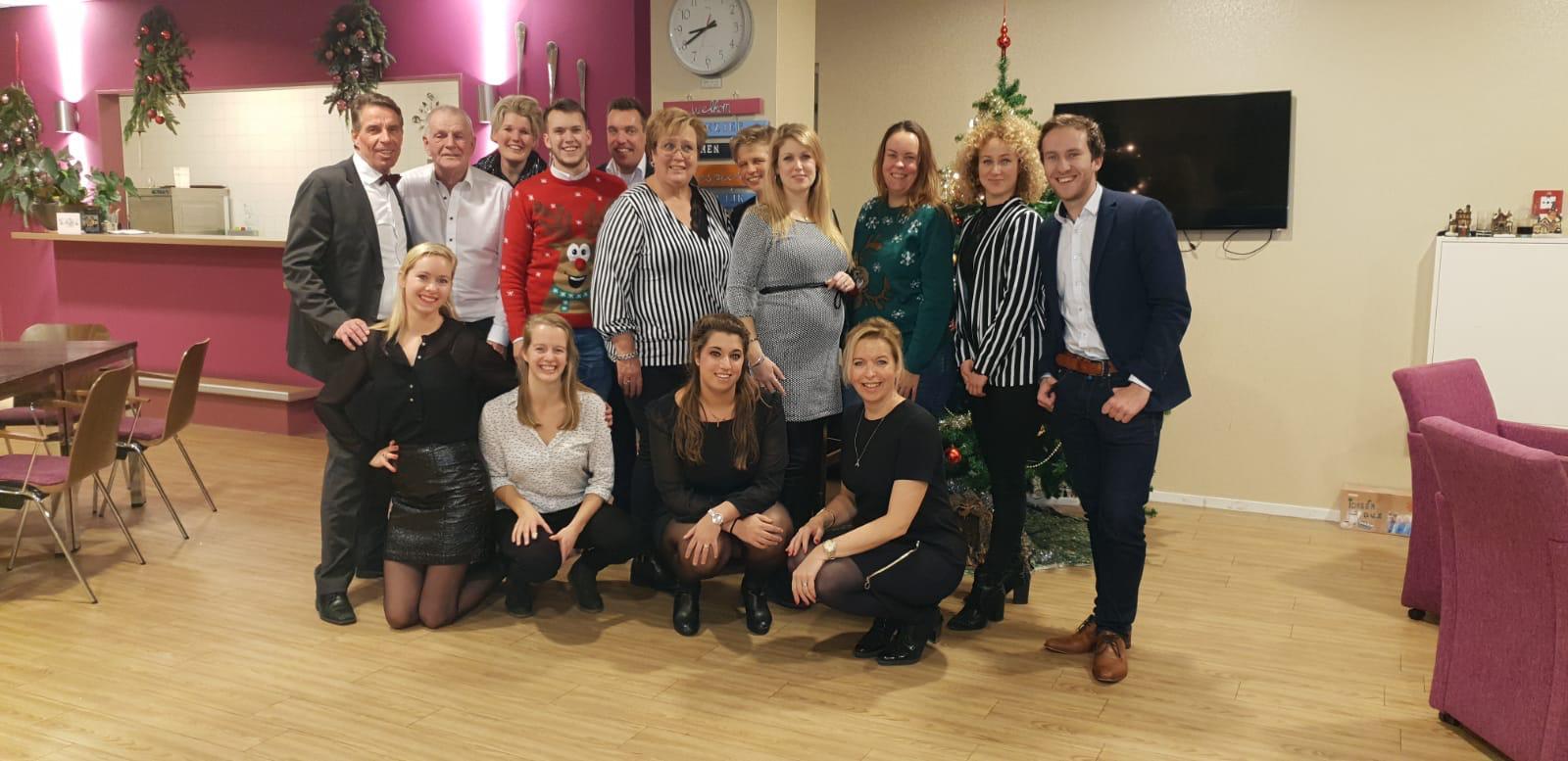 Geslaagd kerstdiner voor gezinnen Voedselbank
